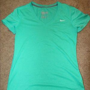 Women's Nike DriFit Shirt NEW WO TAGS
